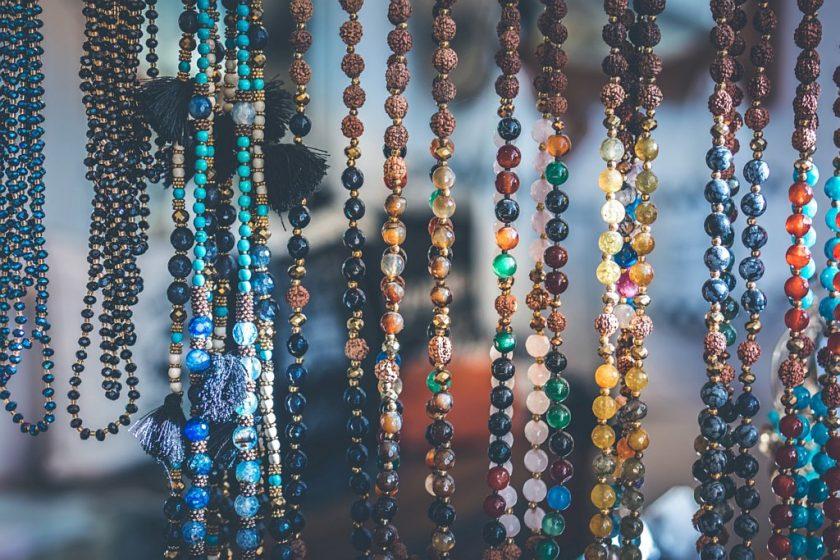 Własna biżuteria – pomysł na biznes