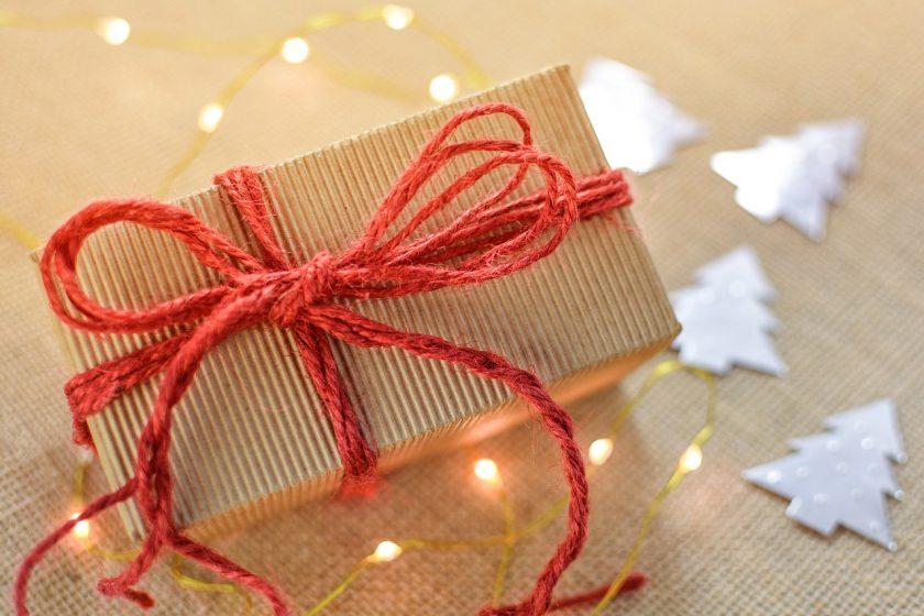 Co warto kupić na prezent naszemu maluchowi? Kilka praktycznych porad.